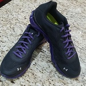 mens under armour spine tennis shoes